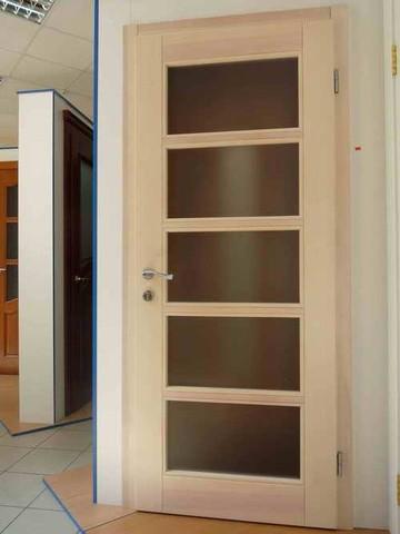 Двери из массива дерева купить недорого в Москве